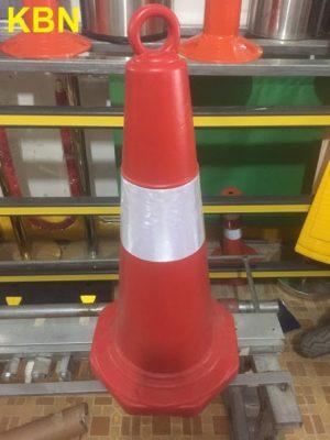 chóp nón giao thông nhựa cứng