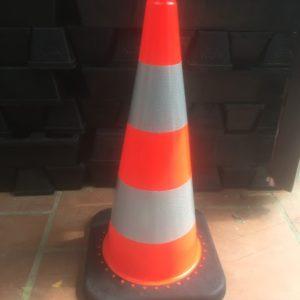 chóp nón giao thông đế cao su